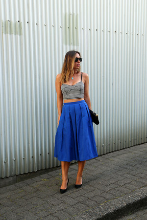 blue midi 424 Fifth skirt - black clutch BCBG bag - black pumps JCrew heels