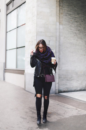 deep purple blanket scarf Aritzia scarf - black skinny jeans James Jeans jeans