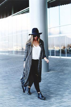 black floppy hat Aritzia hat - black chelsea Frye shoes - gray wool Aritzia coat