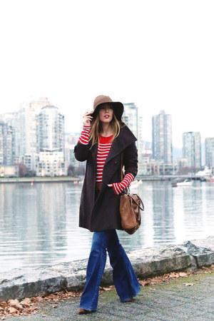 navy flare Old Navy jeans - dark brown oversized Aritzia coat