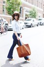 Navy-flare-mavi-jeans-tan-wool-express-hat-brown-leather-madewell-bag