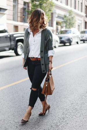 black skinny jeans Mavi jeans - olive green cashmere White and Warren cardigan