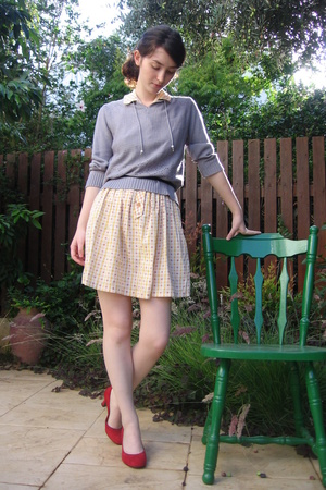 Vero Cuoio shoes - Secondhand blouse - Secondhand dress