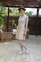 Secondhand dress - Urban Outfitters shoes - Secondhand hat