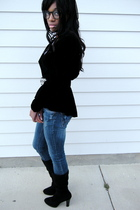black vintage jacket - blue Forever21 jeans - black Nine West boots - Urban Outf