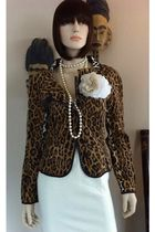 brown Vintage Moschino Cheap & Chic jacket - beige vintage skirt - white vintage