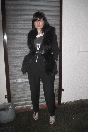 black Zara vest - black Zara blazer - white H&M t-shirt - black TKmaxx pants - b