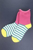 Hot-pink-tprbt-socks