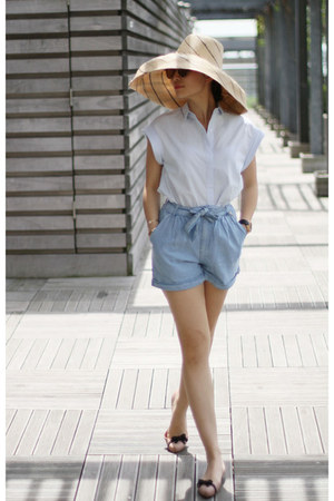 Anthropologie hat - Zara shorts - Zara blouse - Melissa flats