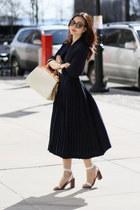 thrifted vintage dress - LV bag - Zara sandals