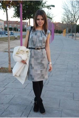 charcoal gray 10euros dress