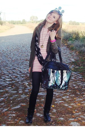 black boots - aquamarine bag - black sunglasses