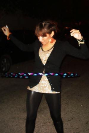 black Bershka leggings - Sfera earrings