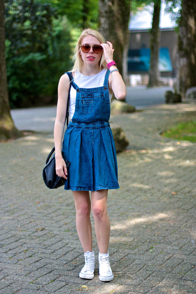 white cropped H&M top - blue denim dungarees asos skirt