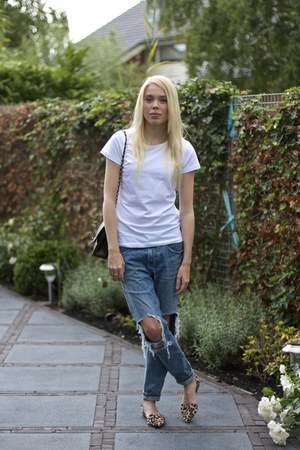 white asos t-shirt - blue Chicy jeans