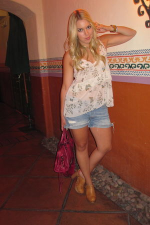 patterson j kincaid blouse - blue Levis shorts - beige Jeffrey Campbell shoes -