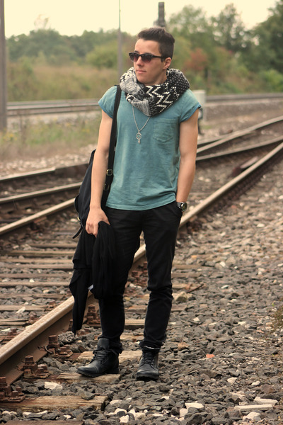 black Smog scarf - black asos bag - black Primark pants