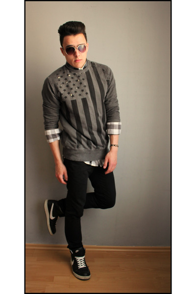 black H&M sunglasses - dark gray Primark jeans - gray SOliver shirt