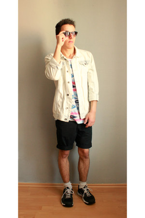 black H&M shorts - ivory River Island jacket - ivory Urban Outfitters socks
