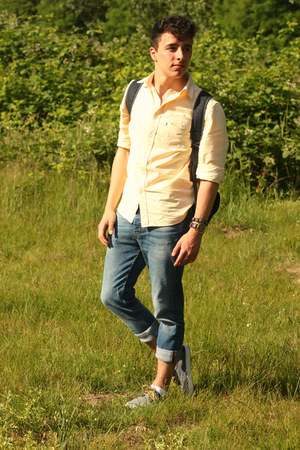 navy Primark shoes - blue asos jeans - light yellow Levis shirt