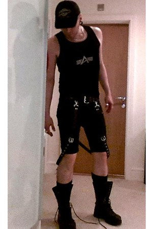 black leather RoB London belt - Shellys boots - H&M jeans - baseball cap hat