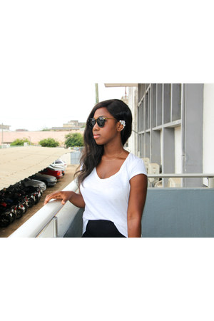 zeroUV sunglasses - Promod t-shirt - Kiabi skirt - Zara sandals - H&M earrings