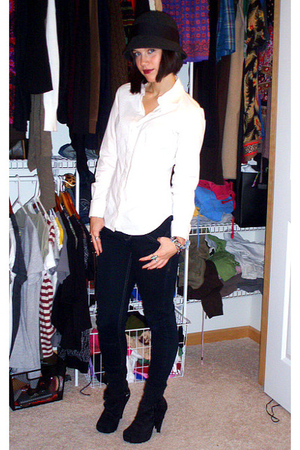 white Victorias Secret shirt - black tyte pants - black wild diva shoes - gray U