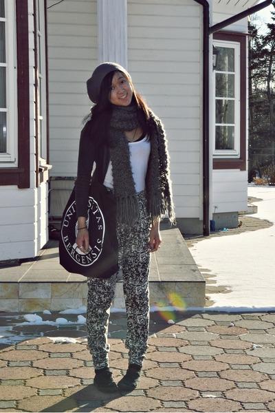 black Cubus pants