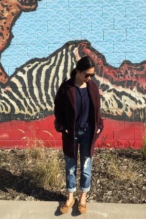 maroon coat - blue Levis jeans - bronze Clarks flats