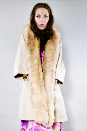 cream Tunnel Vision coat