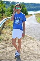 Marc by Marc Jacobs t-shirt - Ray Ban sunglasses - New Balance sneakers
