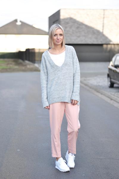 Zara jumper - Zara pants - Reebok sneakers