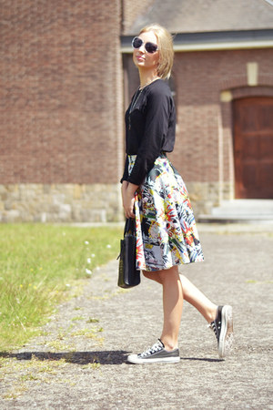 Front Row Shop skirt - Zara bag - Converse sneakers - Twice as Nice necklace