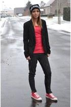 Nelly hat - Bershka blazer - H&M t-shirt - Zara pants - Converse sneakers
