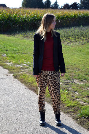 Zara pants - Ebay boots - Bershka blazer - Zara t-shirt