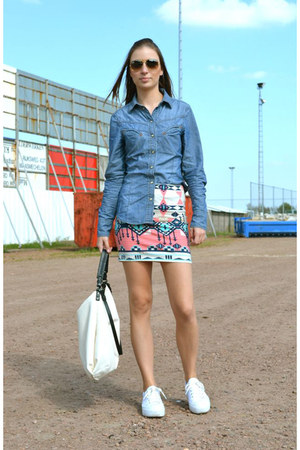 Bershka skirt - Zara shirt - Zara bag - Ray Ban sunglasses - asos sneakers
