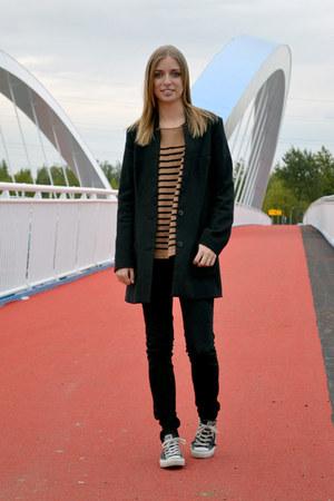 H&M coat - Zara jeans - H&M sweater - Converse sneakers