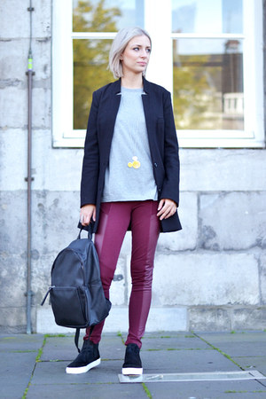 Zara sweater - H&M blazer - Mango bag - Zara sneakers - Twice as Nice necklace