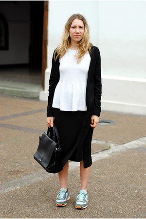 black slit H&M Trend skirt - nike sneakers - white peplum Zara top