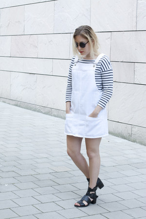 Mango dress - Zara sunglasses - Zara jumper - Bershka sandals