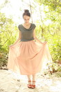 Charcoal-gray-cropped-thrifted-t-shirt-light-pink-twitch-vintage-skirt-tawny