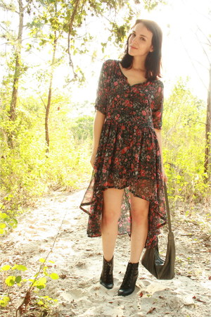 black lace up heeled Forever 21 boots - red Twitch Vintage dress