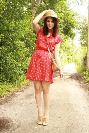 red floral print Twitch Vintage dress - tan straw boater thrifted hat