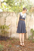vintage dress - embroidered vintage bag - leather thrifted belt