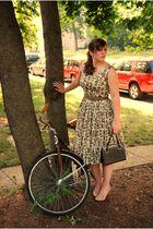 beige vintage dress - beige Guess shoes - brown vintage purse
