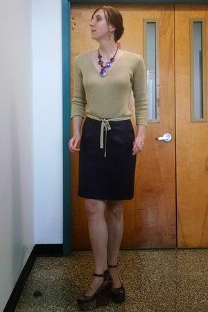deep purple pleather pencil thrifted skirt - gold sweater