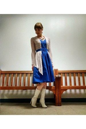 blue eShakti dress - light pink cardigan - necklace