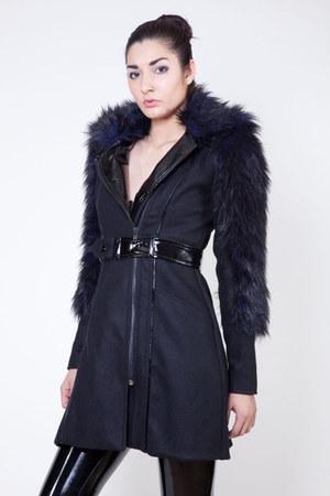 Michelle Überreste coat
