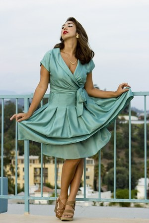 turquoise blue 50s dress