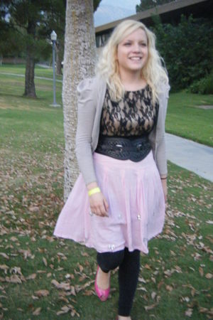 gray H&M cardigan - black Forever 21 dress - black H&M leggings - pink thrifted